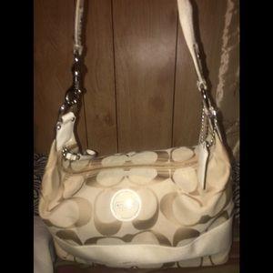 Coach bag in soft tan & beige
